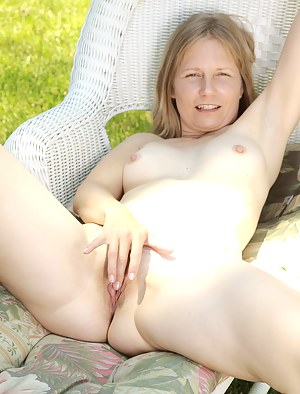 Naked Mature Outdoor Porn Pictures