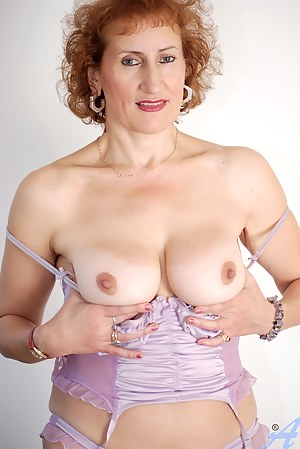Naked Mature Redhead Porn Pictures