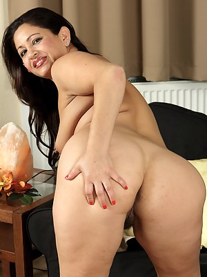 Naked Mature Latina Porn Pictures