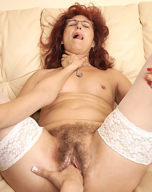 Naked Mature Choking Porn Pictures