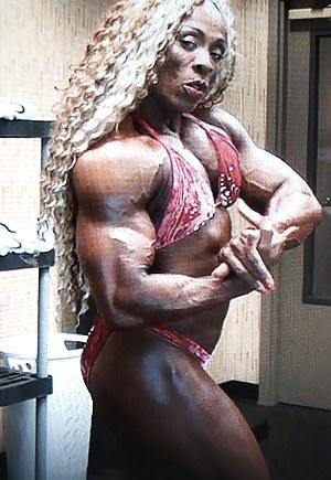 Naked Mature Bodybuilder Porn Pictures