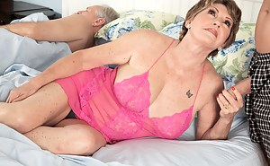 Naked Mature Cuckold Porn Pictures