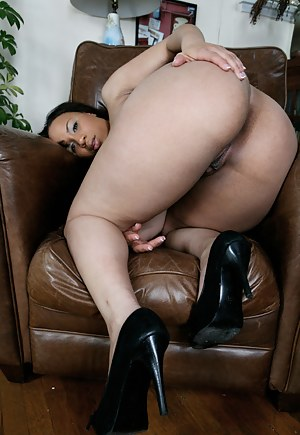 Naked Black Mature Big Ass Porn Pictures