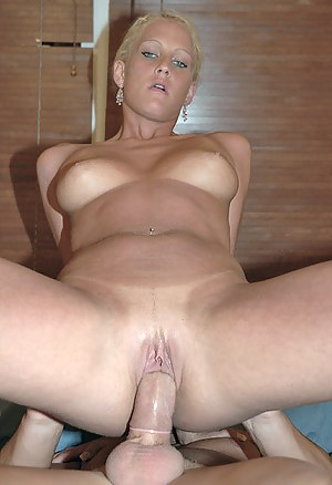 Naked Dick in Mature Pussy Porn Pictures