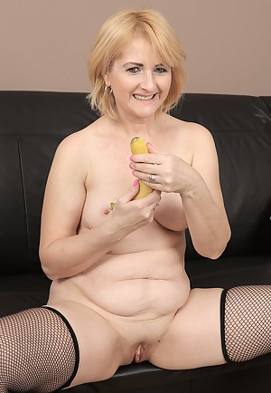 Naked Mature Food Porn Pictures