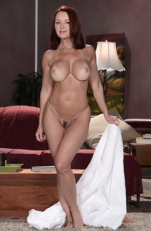 Naked Mature Cougar Porn Pictures