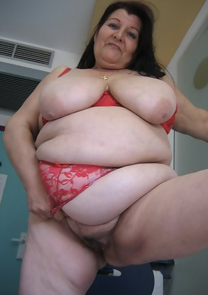 Naked Mature SSBBW Porn Pictures