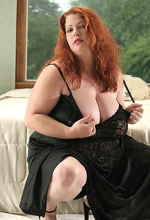 Naked Mature BBW Porn Pictures