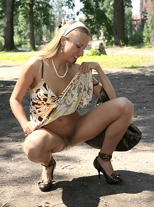 Naked Mature Public Porn Pictures