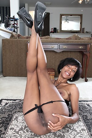 Naked Black Mature Porn Pictures
