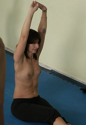 Naked Fitness Mature Porn Pictures