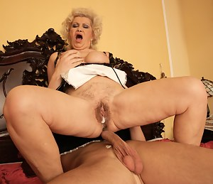 Naked Mature Creampie Porn Pictures