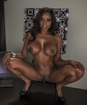 Naked Mature Big Black Tits Porn Pictures