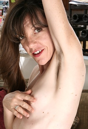 Naked Hairy Mature Porn Pictures