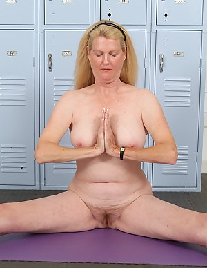 Naked Mature Yoga Porn Pictures