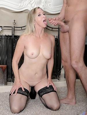 Naked Mature Cumshot Porn Pictures