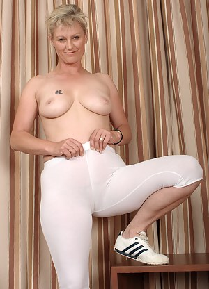 Naked Mature Spandex Porn Pictures