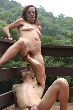 Naked Mature Painful Porn Pictures