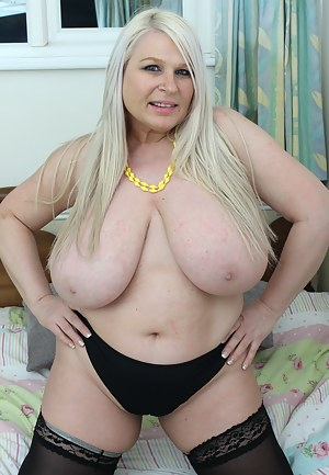 Naked Fat Mature Porn Pictures