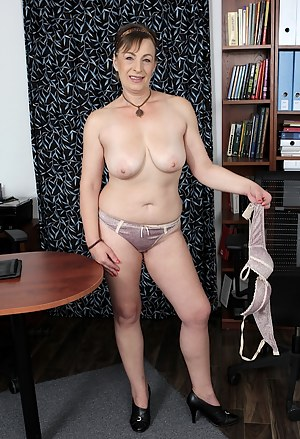 Naked Mature Panties Porn Pictures