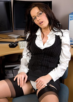 Naked Mature Secretary Porn Pictures