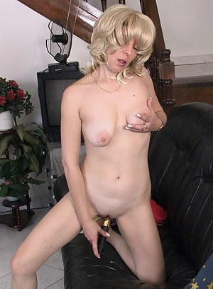Naked Mature Porn Pictures